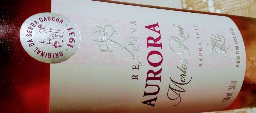 Aurora lança rosé Reserva produzido com Merlot