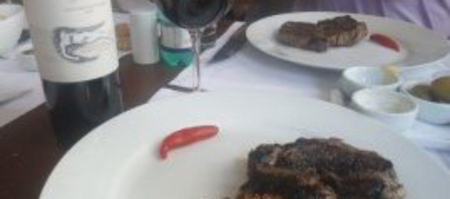 A receita de um dono de restaurantes para aumentar o consumo: desmistificar o vinho e deixar o cliente ser feliz