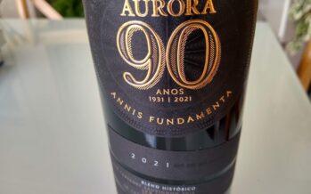 Um vinho especial comemora os 90 anos da Cooperativa Vinícola Aurora